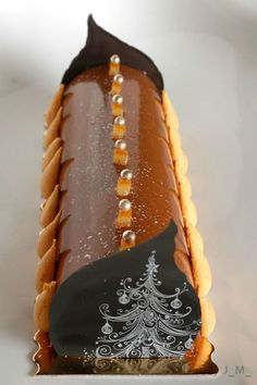 Bûche sarrasin, orange, chocolat, caramel, noisettes Noel Christmas, Blue Pearl, Something Sweet, Caramel, Mousse, Sweet Tooth, Rolls, Cooking Recipes, Sweets