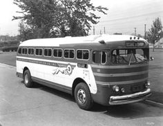 Greyhound Bus Lines 1947 Battle of Britain Bus City, New Bus, Wheels On The Bus, Engin, Bus Coach, Vintage Cars, Vintage Auto, Bus Travel, Battle Of Britain