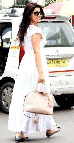 Shriya Saran at Mumbai airport. #Bollywood #Fashion #Style #Beauty
