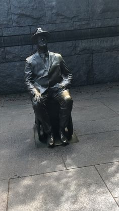FDR Memorial Roosevelt was president during WWII. His statue shows him sitting in a wheelchair. This was added later. The other statues in the memorial do not show his wheelchair because he always covered it with a blanket. But people wanted his disability to be recognized. So this statue was added later at the entrance to the memorial.