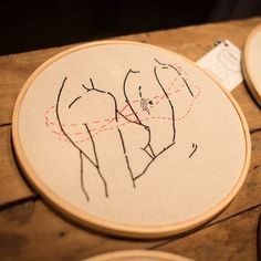 Enlace, toque e arrepio {bordado de 20cm, R$ 110} #loveporn