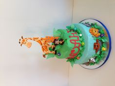 Cakesbykirsten. Zoo themed animal cake. All edible decorations