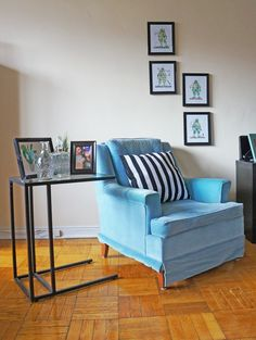 Check out this jock chic makeover on a mid-century apartment! Two siblings decorate a space that incorporates sports and The Ninja Turtles. Toronto Apartment, Living Room Decor, Living Spaces, Cool Apartments, Home Decor Inspiration, Ninja Turtles, Chic, Siblings, Brother
