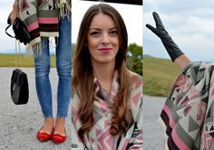 Mademoiselle IVA: jacquard blanket scarf