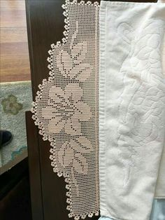 How To Crochet The French Vanilla Button Cowl, Episode 261 - Crochet Rugs - Diy Crafts Crochet Curtains, Crochet Doilies, Crochet Lace, Crochet Borders, Filet Crochet, Crochet Patterns, Popular Crochet, Crocodile Stitch, Ladder Stitch