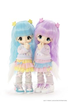is coming your way May Visit here to learn more about Azone International's bubbly duo Soda Blue and Grape Squash. Pop Dolls, Cute Dolls, My Moon And Stars, Kawaii Doll, Smart Doll, Baby Models, Little Twin Stars, Little Doll, Anime Figures