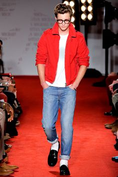 I'm really liking this whole throw-back vibe from the runways in men's fashion. I really like this look.