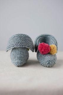 December Booties Knitting pattern by Carrie Bostick Hoge Crochet Patterns For Beginners, Knitting Patterns Free, Knitting For Kids, Knitting Projects, Baby Blanket Crochet, Crochet Baby, Hand Crochet, Crochet Hooks, Baby Knitting