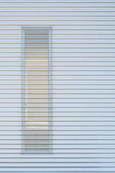 j-house-by-isolation-unit-junh_114_tm_mg_3756_m.jpg