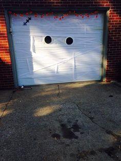 halloween garage door decoration idea