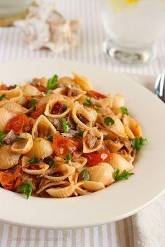 Pasta Salad, Steak, Spaghetti, Food Porn, Food And Drink, Ethnic Recipes, Sweets, Crab Pasta Salad, Gummi Candy