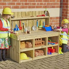 Backyard Entertaining Area Outdoor Play Ideas For 2019 Outdoor Learning Spaces, Kids Outdoor Play, Outdoor Play Areas, Kids Play Area, Indoor Play, Eyfs Outdoor Area Ideas, Natural Playground, Outdoor Playground, Construction Area Eyfs