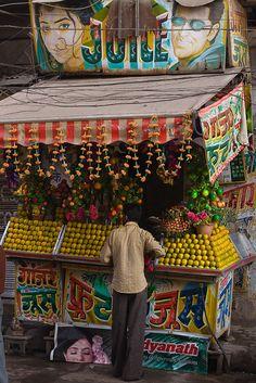 dilapidated juice bar - New Delhi, India