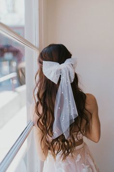 34 Cutest Long Layered Haircuts Trending in 2019 - Style My Hairs Oval Face Hairstyles, Bride Hairstyles, Down Hairstyles, Wedding Bows, Wedding Headband, Tulle Hair Bows, Dark Red Hair, Red Hair Bow, Wedding Hair Inspiration