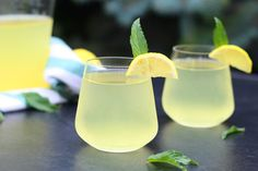 Mojito, Healthy Drinks, Glass Of Milk, Party Time, Food And Drink, Tableware, Recipes, Cocktails, Diet