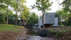 floding concrete http://www.designlines.de/projekte/Beton-im-Fluss_11527299.html