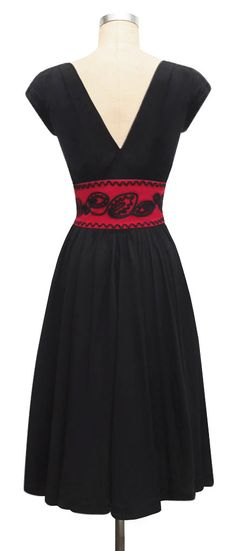 vintage inspired evening event dress black red two tone floral leaves design zig-zag swing dance dress
