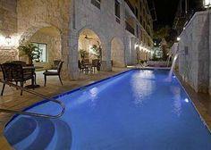 Comfort Suites Alamo/Riverwalk $165