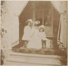 Empress Alexandra Feodorovna of Russia with the Grand Duchesses Maria and Anastasia Nikolaevna Romanova of Russia at Ropsha in 1908.The photos were originally from an album owned by Anya Vyrubova.A♥W