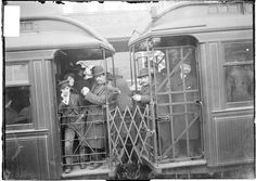 Riding the L, Chicago 1903; Library of Congress Chicago Daily News Collection