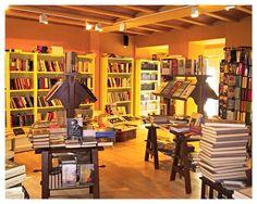 Librería Farinelli. Expositores y librerías de www.mueblesdelagranja.es