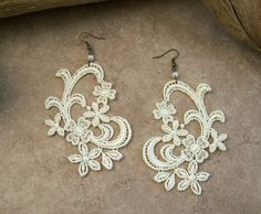 Jonquil lace earrings ivory - these.