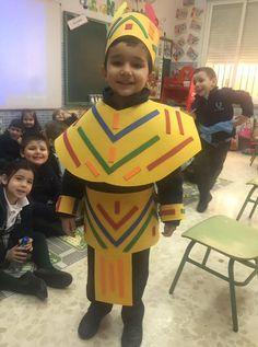 El alumno Ángel Camacho vestido como un auténtico Maya forma parte del proyecto sobre #México que se está llevando a cabo en 2º de Infantil. #educar #SomosColegioAndévalo #somosColegioAndévalo #sevilla #colegioBilingüe