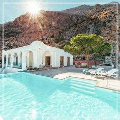 Welcome to Villa Kamari, a true jewel of the Greek islands. With an iconic infin… – 2020 World Travel Populler Travel Country Greek Buildings, Greece House, Villa Pool, Island Villa, Greek Design, Mediterranean Design, Luxury Accommodation, Cool Pools, Houses