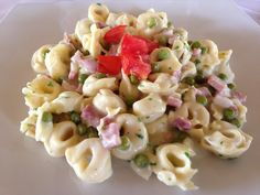 Vecchia Macina - Not Only a Food Blog: Tortellini With Cream And Peas
