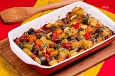 Le verdure al forno sono un contorno molto gustoso e semplice da realizzare, ideale per accompagnare ogni tipo di secondo piatto.