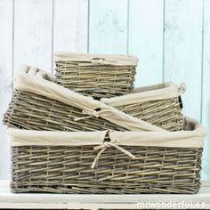 Cesta de mimbre con funda de algodón natural