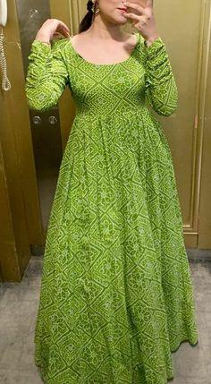 Girls Frock Design, Fancy Dress Design, Stylish Dress Designs, Dress Indian Style, Indian Fashion Dresses, Indian Designer Outfits, Designer Party Wear Dresses, Kurti Designs Party Wear, Long Gown Design