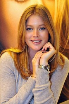 Doutzen Kroes - Photo posted by lesichon Doutzen Kroes, Most Beautiful Faces, Beautiful Girl Image, Haircuts With Bangs, Hairstyles Haircuts, Long Hair Cuts, Long Hair Styles, Red Hair Woman, Redhead Girl