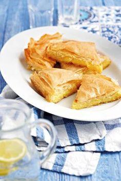 Griekse melktert Braai Recipes, Snack Recipes, Dessert Recipes, Cooking Recipes, South African Dishes, South African Recipes, Kos, Melktert, Minis