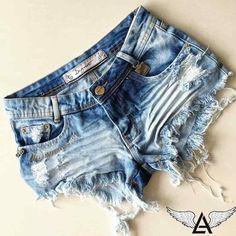ca15aa70743 Like Angels - Maior Portal de Shorts e Jaquetas Jeans shorts feminino  degrant shorts cintura media baixa shorts degrant desfiado bordado life