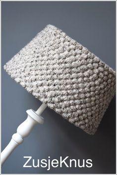 Gehaakte lampenkap met beschrijving patroon Crochet lampshade with explanation pattern