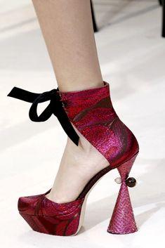 Funky Shoes, Crazy Shoes, Me Too Shoes, Colorful Shoes, Louis Vuitton Pumps, Shoe Boots, Shoes Heels, High Shoes, Louboutin Shoes