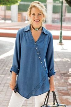 Soft Surroundings Washed Tencel® Tunic have 2 versions this. like with baroque pearls Tunic Shirt, Shirt Blouses, Vetements Clothing, Fashion Over 50, Women's Fashion, Pulls, Blouse Designs, Fashion Dresses, Woman Dresses