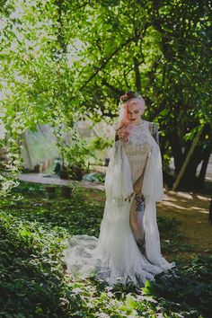 e have a beautiful and unconventional bridal shoot to share with your eyes this morning, sent all the way from Tel Aviv in Israel by wedding photographer Noa… Boho Chic, Bohemian, Boho Boots, Alternative Bride, Wedding Inspiration, Wedding Ideas, Bridal Shoot, Boho Wedding, Vegas