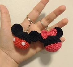 Llaveros Mickey y Minnie.