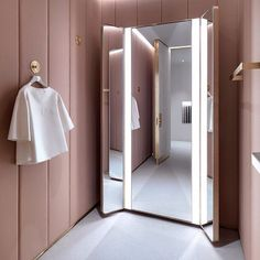 This changing room is so plush and feminine quite unique in the retail environme. This changing room is so plush and feminine quite unique in the retail environment! - J&M Davidson by Universal Design Studio Futuristisches Design, Design Studio, Display Design, House Design, Design Shop, Design Ideas, Wall Design, Luxury Wardrobe, Walk In Wardrobe