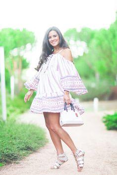 Vestido étnico Glamorous ethnic dress sandalias plata River Island glitter…