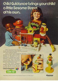 1974 Ad Sesame Street Push Button Tou Bert Ernie Oscar Kids Questor~Original Ad