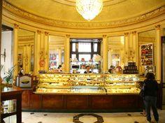 L'angolo pasticceria | Gran Caffè Gambrinus | Galleria di immagini e video dello storico Caffè