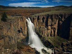 Colorado is full of hidden gems everywhere you look. Take a look at this list of 5 waterfalls in Colorado you must visit this summer. North Clear Creek Falls Fr