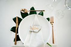 White tableware, copper Vegetal inspiration Table decoration