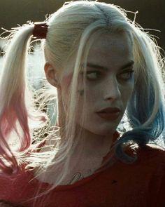 Margot as Harley Cabelo Margot Robbie, Arlequina Margot Robbie, Margot Robbie Harley Quinn, Harley Quinn Et Le Joker, Harley Quinn Drawing, Melanie Martinez, Harey Quinn, Kings & Queens, Idol