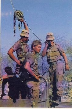 where were the satellite phones when we needed them Once Were Warriors, Army Pics, South African Air Force, Army Day, The Old Days, Military Life, African History, Vietnam War, Armed Forces