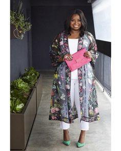 15 Chic Plus Size Outfits mit einem Kimono - Outfit Ideen 15 Chic Plus Size Outfits mit einem Kimono Curvy Girl Fashion, Look Fashion, Plus Fashion, Fashion Women, Plus Size Fashion For Women Summer, Plus Size Fashion Tips, Celebrities Fashion, Plus Size Spring Work Outfits, Plus Size Spring Dresses