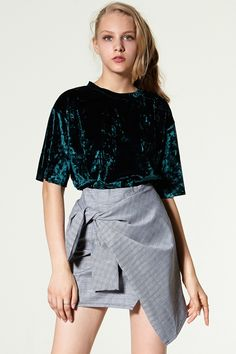 Dido Velvet Round Neck Top Discover the latest fashion trends online at storets.com #storets online shop  #storets shop online